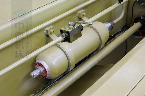ZDG-632氮气回程装置,蓄力大,回程速度快.jpg